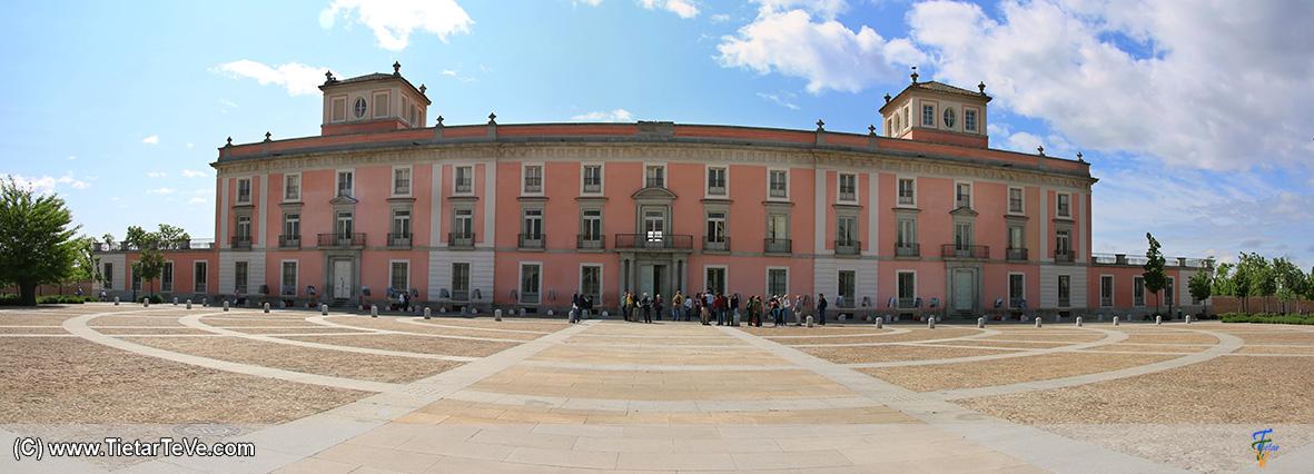 Panorámica exterior del Palacio de Boadilla del Monte